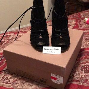 Black Heels size 51/2